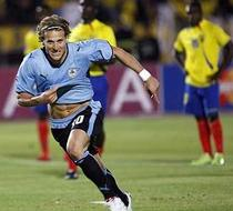Forlan spera sa invinga Argentina