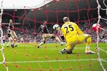 Liverpool, invinsa de propriul fan
