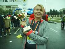 VEZI galeria de imagini: Dana Deac a alergat 21 km in maratonul international Bucuresti