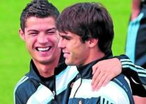 Ronaldo si Kaka, achizitiile galactice ale Madridului