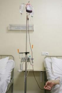 In loc de vindecare sistemul a fost pus doar la perfuzii