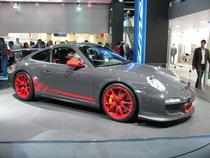 Porsche se adapteaza crizei si va lansa modele mai ieftine