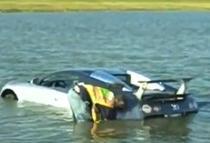 Cu masina in lac
