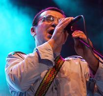 Fotogalerie: Mihai Margineanu - lansarea albumului Pe sub norii de hartie