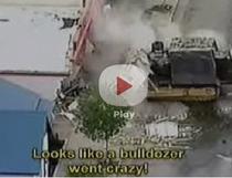 Demolari cu un buldozer