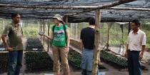 Documentandu-se despre viata fermierilor indonezieni