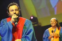 Ioan Gyuri Pascu si USA Gospel Singers