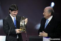 Messi, primind distinctia de la Sepp Blatter