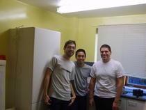 Adrian cu colegi de apartament