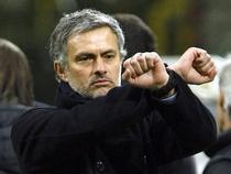 """Mourinho """"il trimite"""" pe arbitru dupa gratii"""