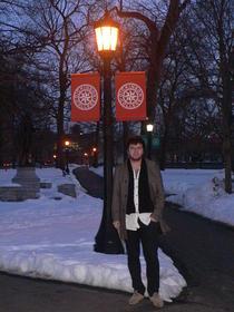 Razvan Isac in campusul universitatii