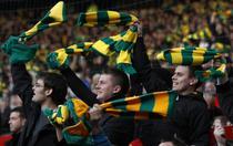 Fanii lui Manchester protestand impotriva patronilor