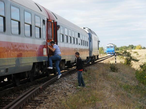 Două trenuri pe aceeași linie (2)