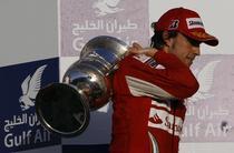 "Alonso, ""poezie"" pe circuit"