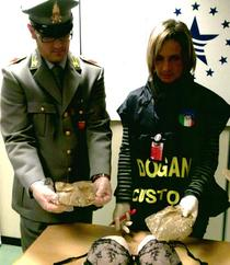 Vamesi italieni si captura de droguri