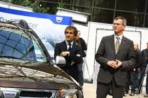 Duster, Alain Prost si seful Dacia - Jerome Olive
