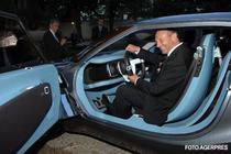 Traian Basescu va conduce primul SUV Duster