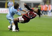 Napoli stopeaza pe AC Milan