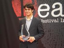 Actorul George Pistereanu, primind premiul