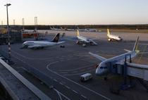 Avioanele au ramas la sol