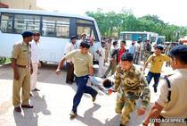 Soldatii au fost atacati de maoisti
