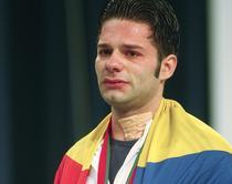 Ninel Miculescu cu ochii in lacrimi