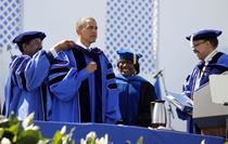 Obama la Hampton University, Virginia