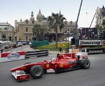 Fernando Alonso, pe strazile din Monte Carlo
