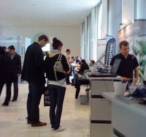 Tineri din toata lumea in cautarea unui loc la studii sau munca in Germania