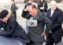 Silvio Berlusconi stie sa se miste
