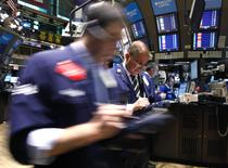 Wall-Street sufera scaderi majore