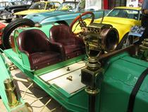 FOTOGALERIE: Salon cu masini clasice la Bucuresti