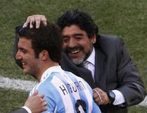 Maradona, la nationala pana in 2014