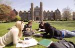 Studenti in campus