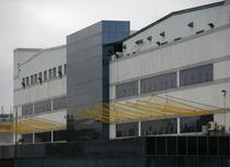 Foxconn a montat plase pentru a-i descuraja pe cei care vor sa se arunce de la etaj