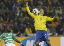 Luis Fabiano, hent la golul doi