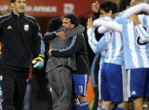 Maradona, fericit dupa victoria cu Mexic