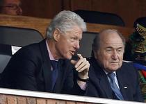 Sepp Blatter, alaturi de fostul presedinte al SUA, Bill Clinton