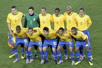 Brazilia, in sferturi la Mondial
