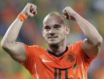Sneijder ii critica pe Maradona si pe Dunga