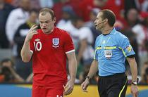Rooney, nemultumit de decizia lui Espinosa