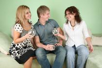 Inhibitia dispare dupa doua - trei pahare de vin