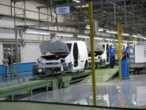 Ford va reincepe angajarile in 2011