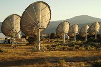 Uriasele antene cauta semnale trimise de alte civilizatii