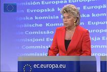 Viviane Reding ataca dur Franta pe chestiunea tiganilor