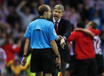 Wenger, nemultumit de prestatia arbitrilor