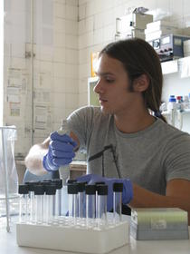 Catalin Tucureanu, cercetator la Institutul Cantacuzino