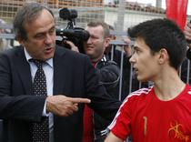 Platini nu vrea tehnologie video in fotbal