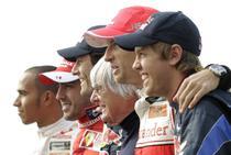 Ecclestone, sustinatorul Red Bull pe final de sezon