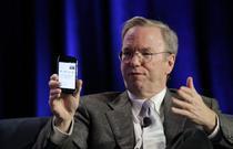 Schmidt si misteriosul telefon cu Android 2.3